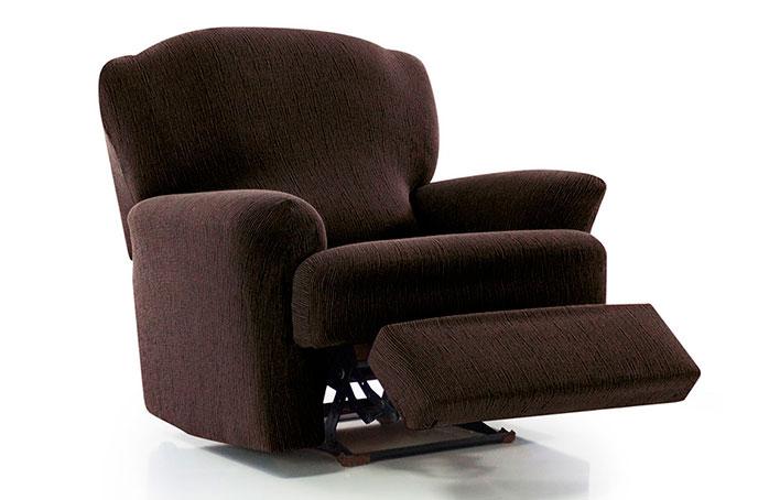 sillón relax y pies juntos